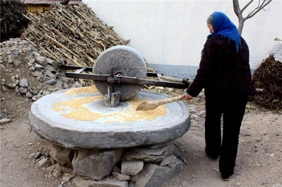 石碌碡由纯石头制
